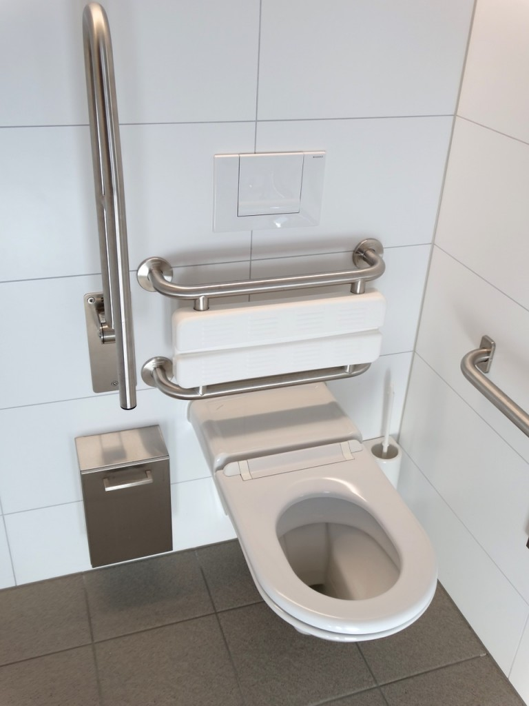 toilet-643650_1280