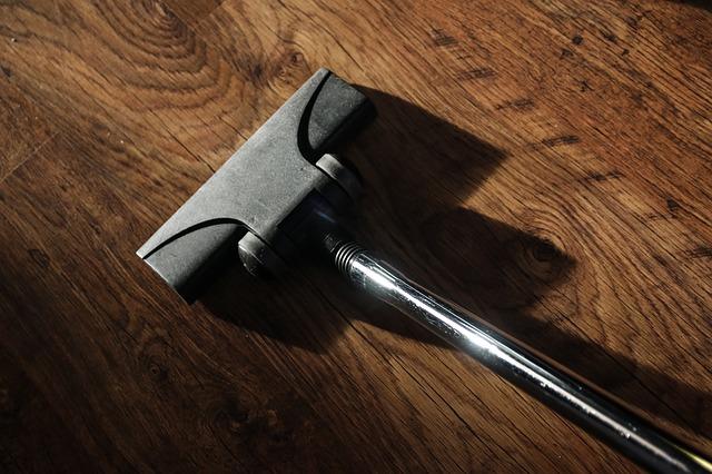 vacuum-cleaner-268162_640