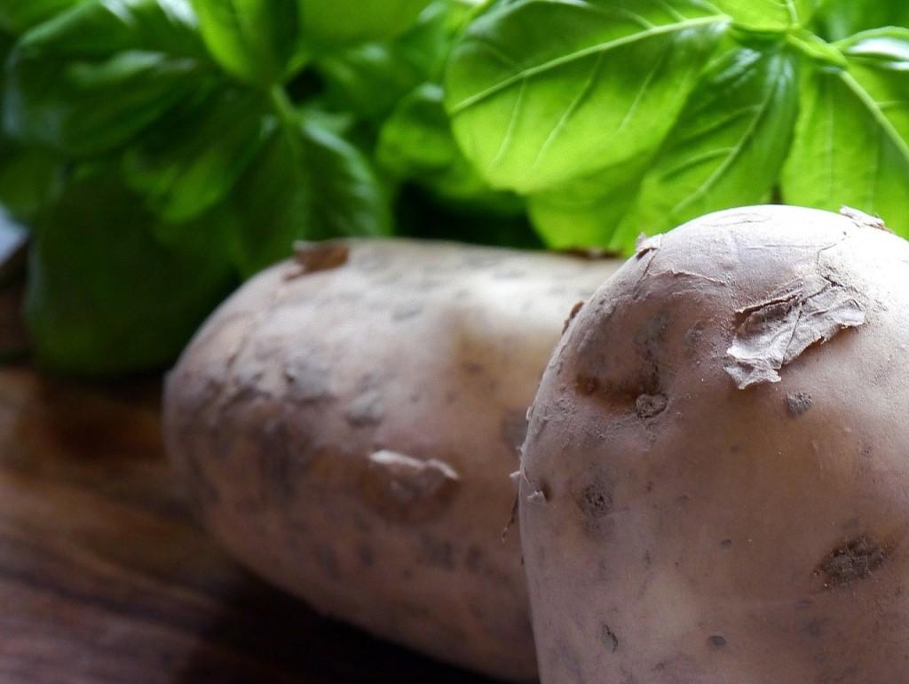 potatoes-498673_1280