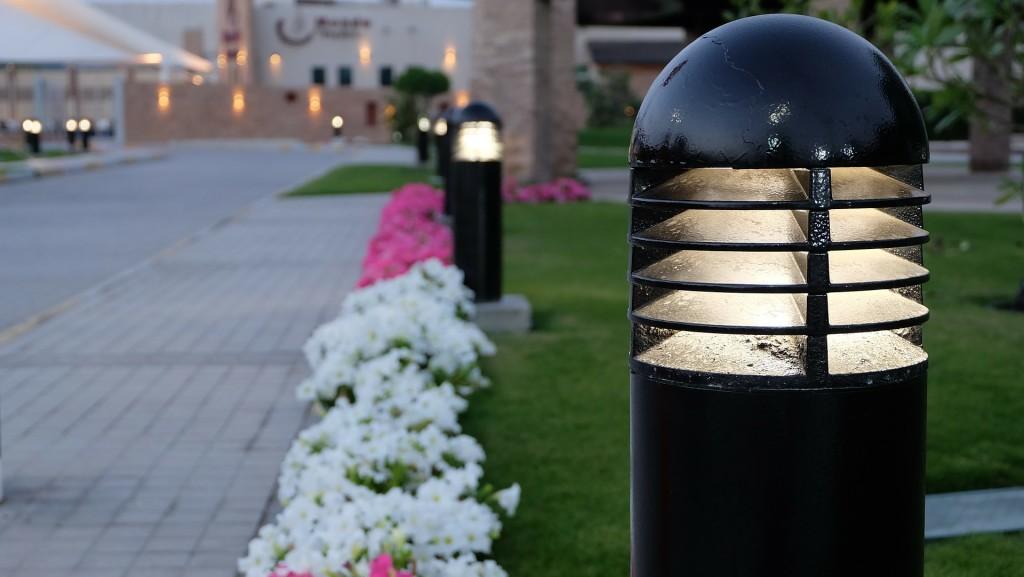 The Main Benefits of Solar Garden Lights3